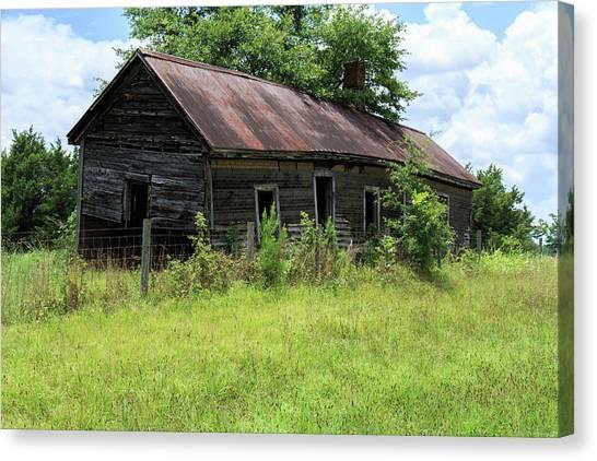 Farmhouse Abandoned Canvas Print