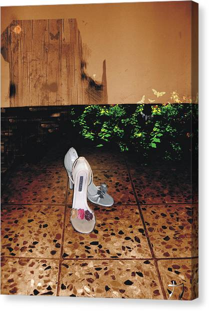 Femenina Canvas Print
