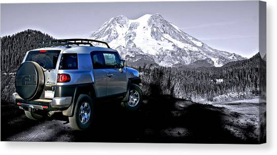 Fj Cruiser Mt. Rainier Washington Canvas Print