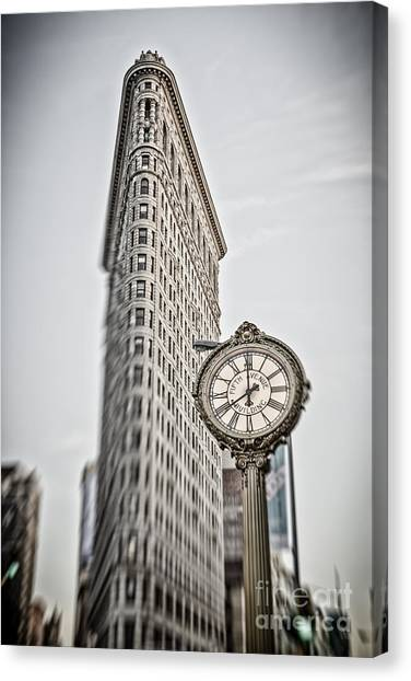 Canvas Print featuring the photograph Flat Iron Building by Juergen Held