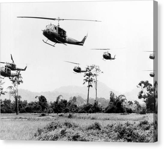 Vietnam War Canvas Print - Flight Of Uh-1 Troopships by Underwood Archives