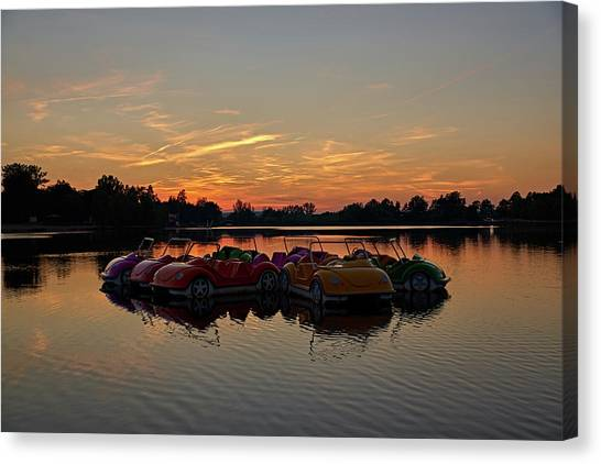 Canvas Print featuring the photograph Floaters by Tgchan