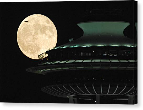 Fly Me To The Moon A331 Canvas Print by Yoshiki Nakamura