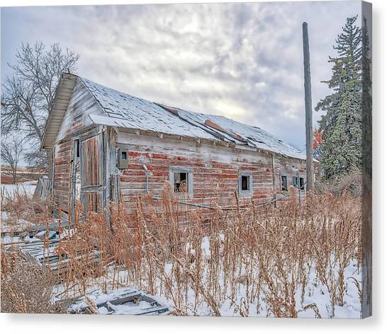 Forgotten Barn Canvas Print