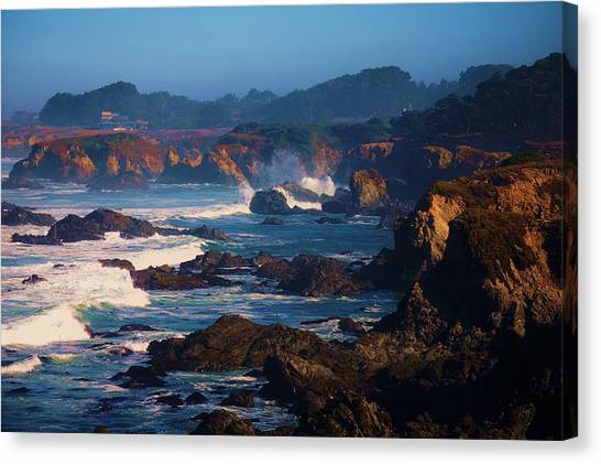 Fort Bragg Coastline Canvas Print by Helen Carson