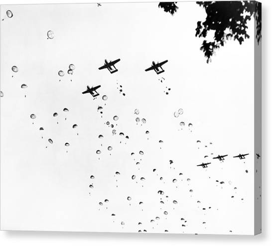 United States Army Air Corps Canvas Print - Fort Bragg Paratroopers by Underwood Archives