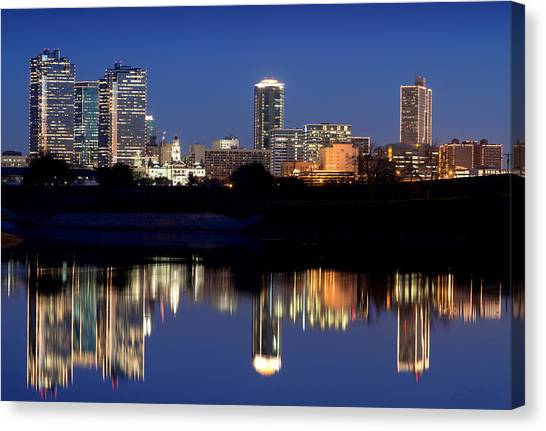 Fort Worth Reflection 41916 Canvas Print