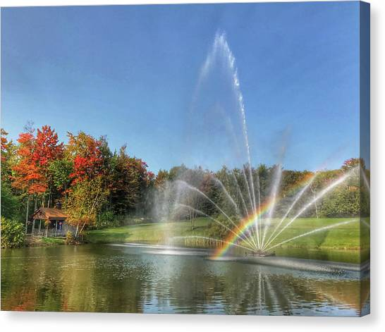 Fountain At Tater Hill Canvas Print