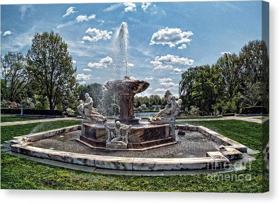 Fountain - Cleveland Museum Of Art Canvas Print