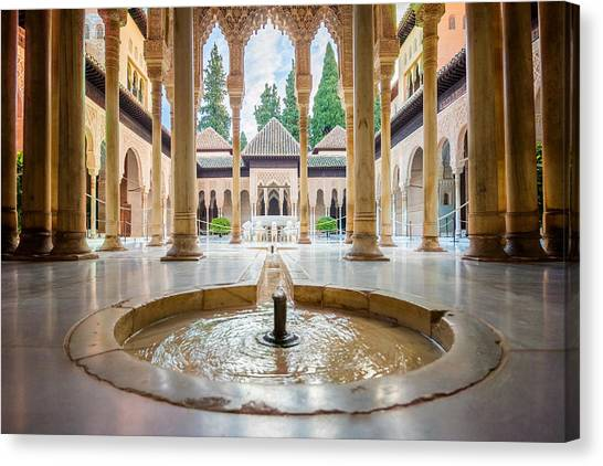 Fountain Of Lions At The Alhambra Canvas Print