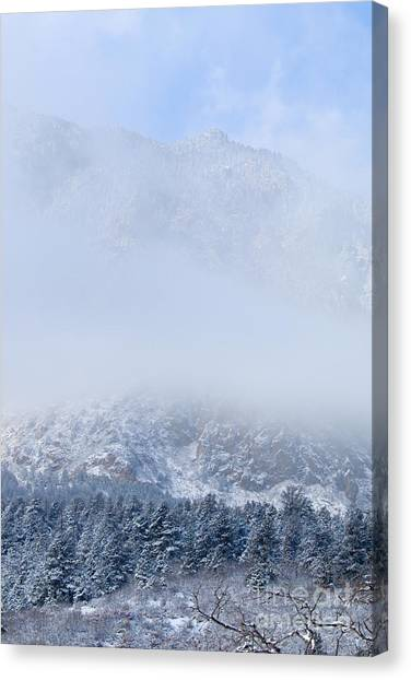 Fresh Snow In Cheyenne Mountain State Park Canvas Print