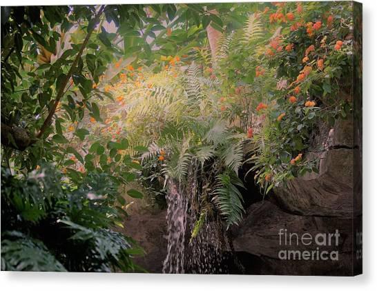 Garden Beauty1 Canvas Print