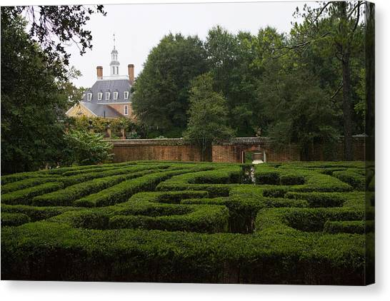 Garden Maze At Governors Palace Canvas Print