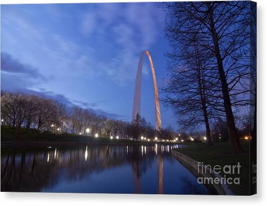 Gateway Arch At Dawn Canvas Print