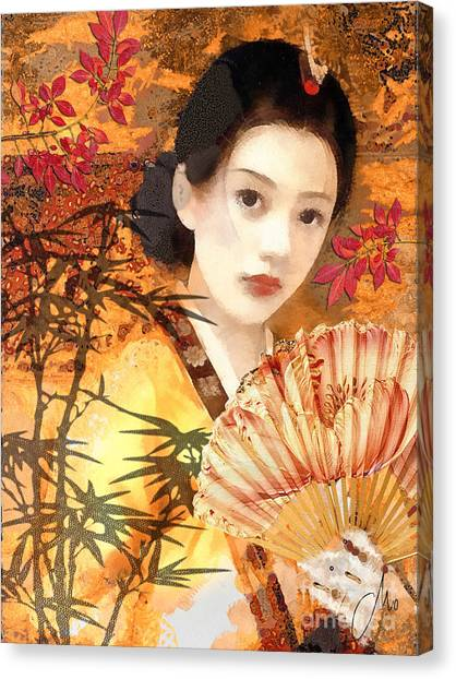 Geisha With Fan Canvas Print