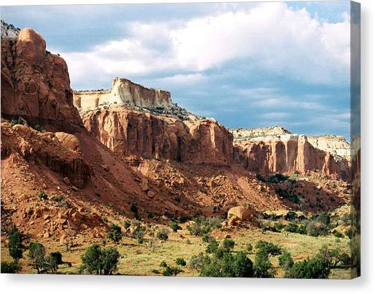 Ghost Ranch Hills Canvas Print by Diana Davenport