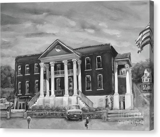 Gilmer County Old Courthouse - Black And White Canvas Print