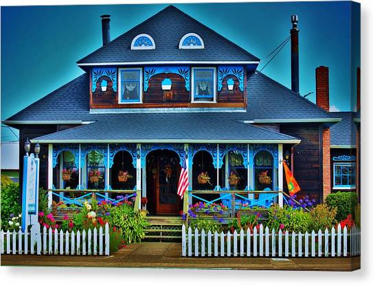 Gingerbread House Canvas Print by Helen Carson