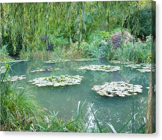 Giverny V Canvas Print by Wendy Uvino