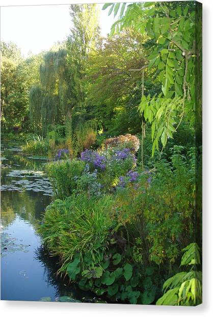Giverny Vi Canvas Print by Wendy Uvino