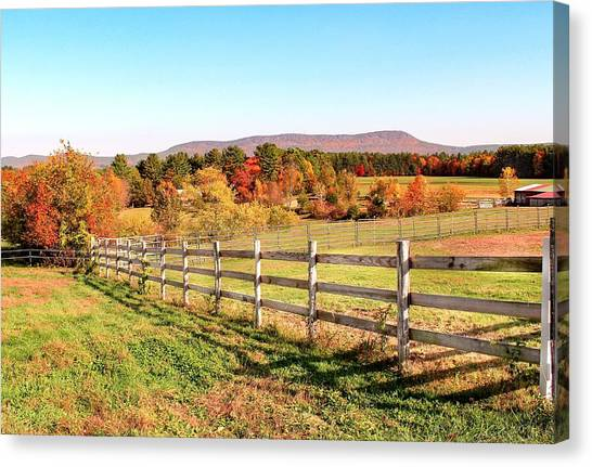 Glendale Road View In The Fall Canvas Print