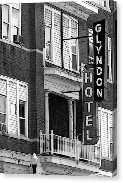 Glyndon Hotel Canvas Print by David Bearden