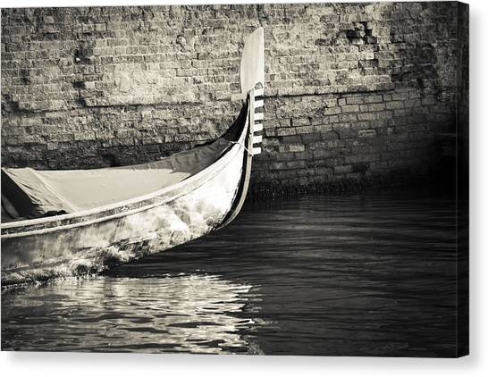 Gondola Wall Canvas Print