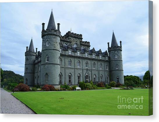 Gorgeous View Of Inveraray Castle Canvas Print