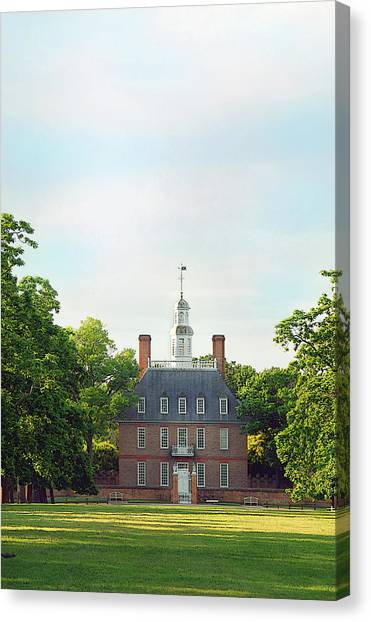 Governor Palace - Williamsburg Canvas Print by Panos Trivoulides