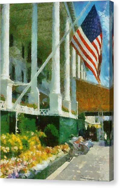 Grand Hotel Mackinac Island Canvas Print