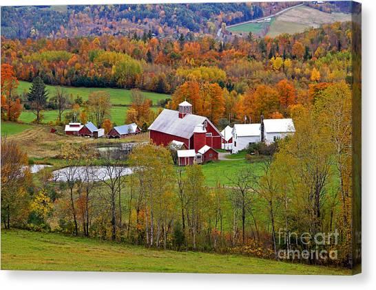 Green Mountain Farm Canvas Print
