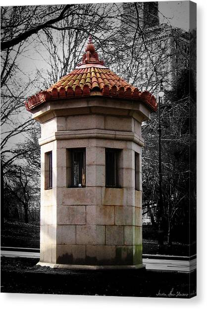 Guardhouse In Prospect Park Brooklyn Ny Canvas Print