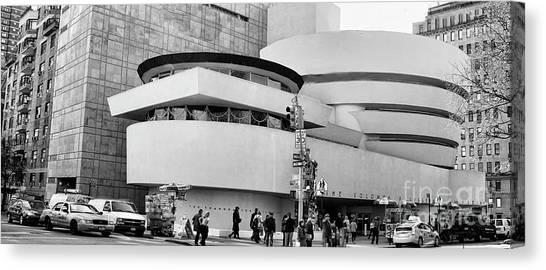 Guggenheim Museum Nyc Bw Canvas Print