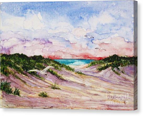 Gulls And Dunes Canvas Print by Suzanne Krueger