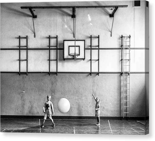 Gym Canvas Print - Gym by Susanne Stoop