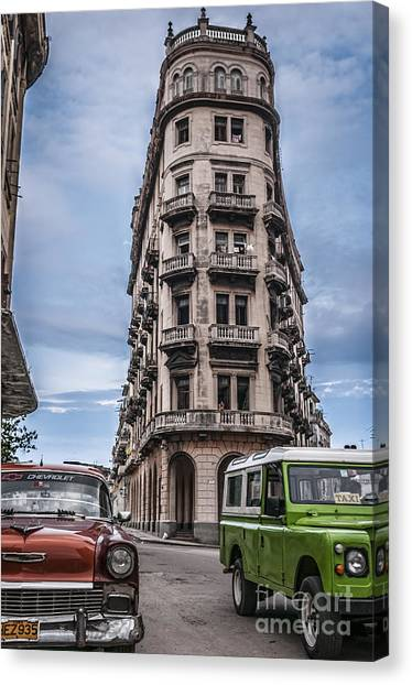 Havana Old Cars Canvas Print