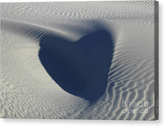 Hearts In The Desert Canvas Print