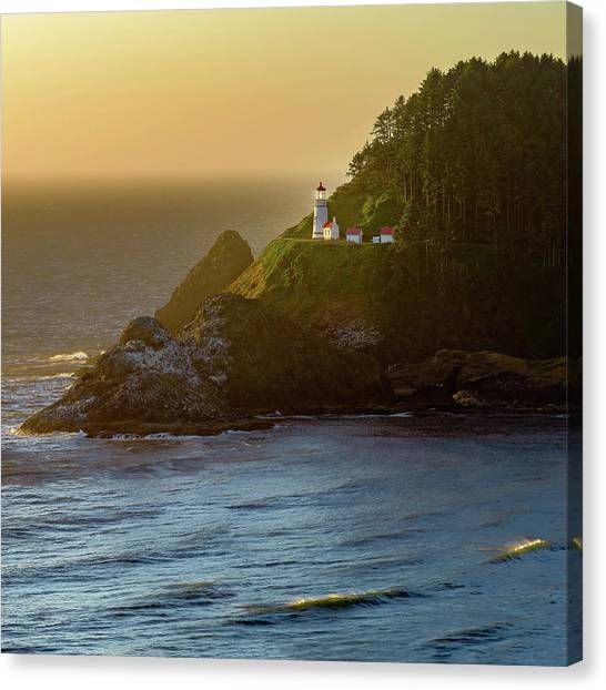 Heceta Head Lighthouse At Sunset Canvas Print