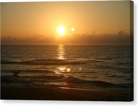 Here Comes The Sun. Canvas Print by Dennis Curry