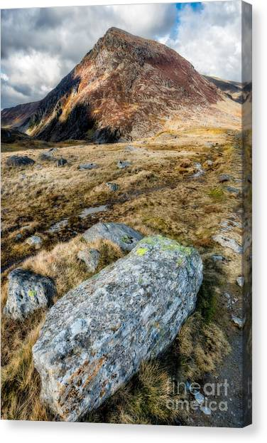 Pen Yr Ole Wen Canvas Print - High And Mighty by Adrian Evans