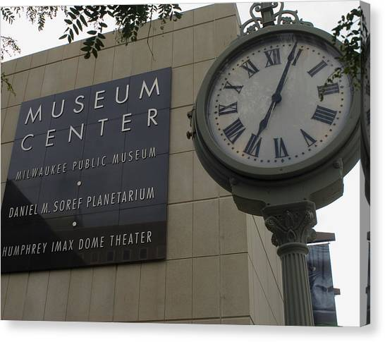 Historic Clock Keeps Time With Milwaukee Public Museum Canvas Print