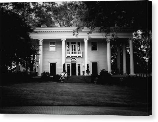 Canvas Print featuring the photograph Historic Southern Home by Doug Camara