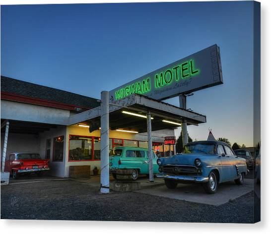 Holbrook Az - Wigwam Motel 010 Canvas Print by Lance Vaughn