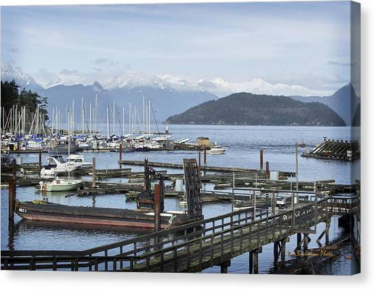Horseshoe Bay Canvas Print by Tom Buchanan