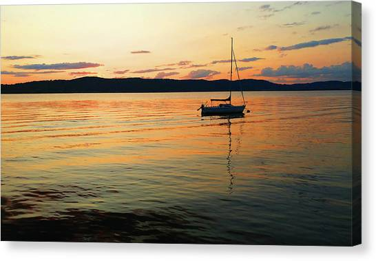 Hudson River From Irvington In Westchester County Canvas Print