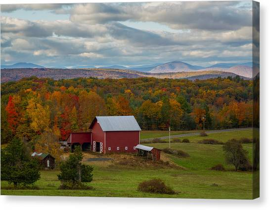 Hudson Valley Ny Fall Colors Canvas Print