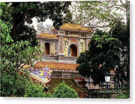 Canvas Print - Hue Hien Nhon Gate 02 by Rick Piper Photography