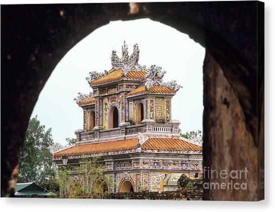 Canvas Print - Hue Hien Nhon Gate 05 by Rick Piper Photography