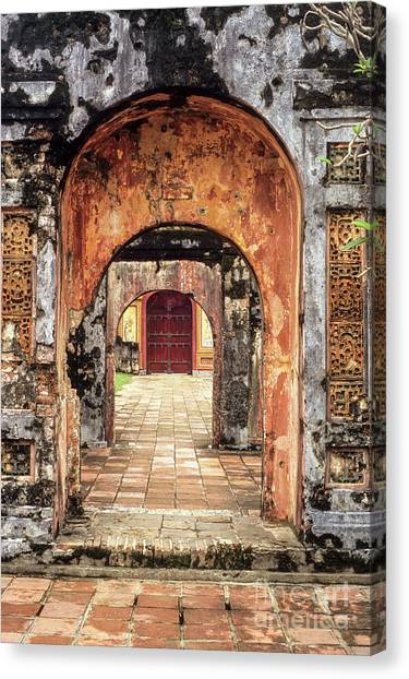 Canvas Print - Hue Imperial Citadel Arches 01 by Rick Piper Photography