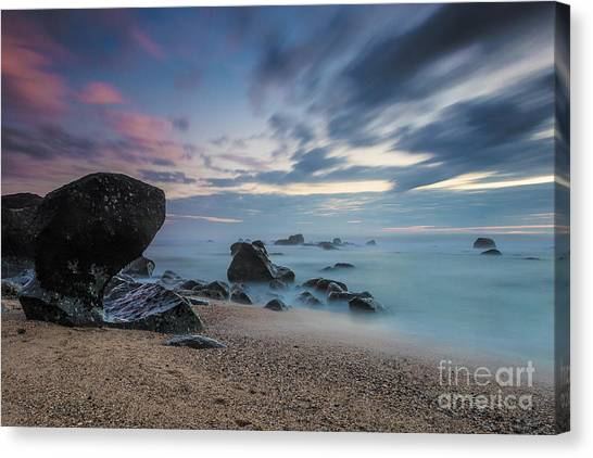 Hues Of Dawn Canvas Print